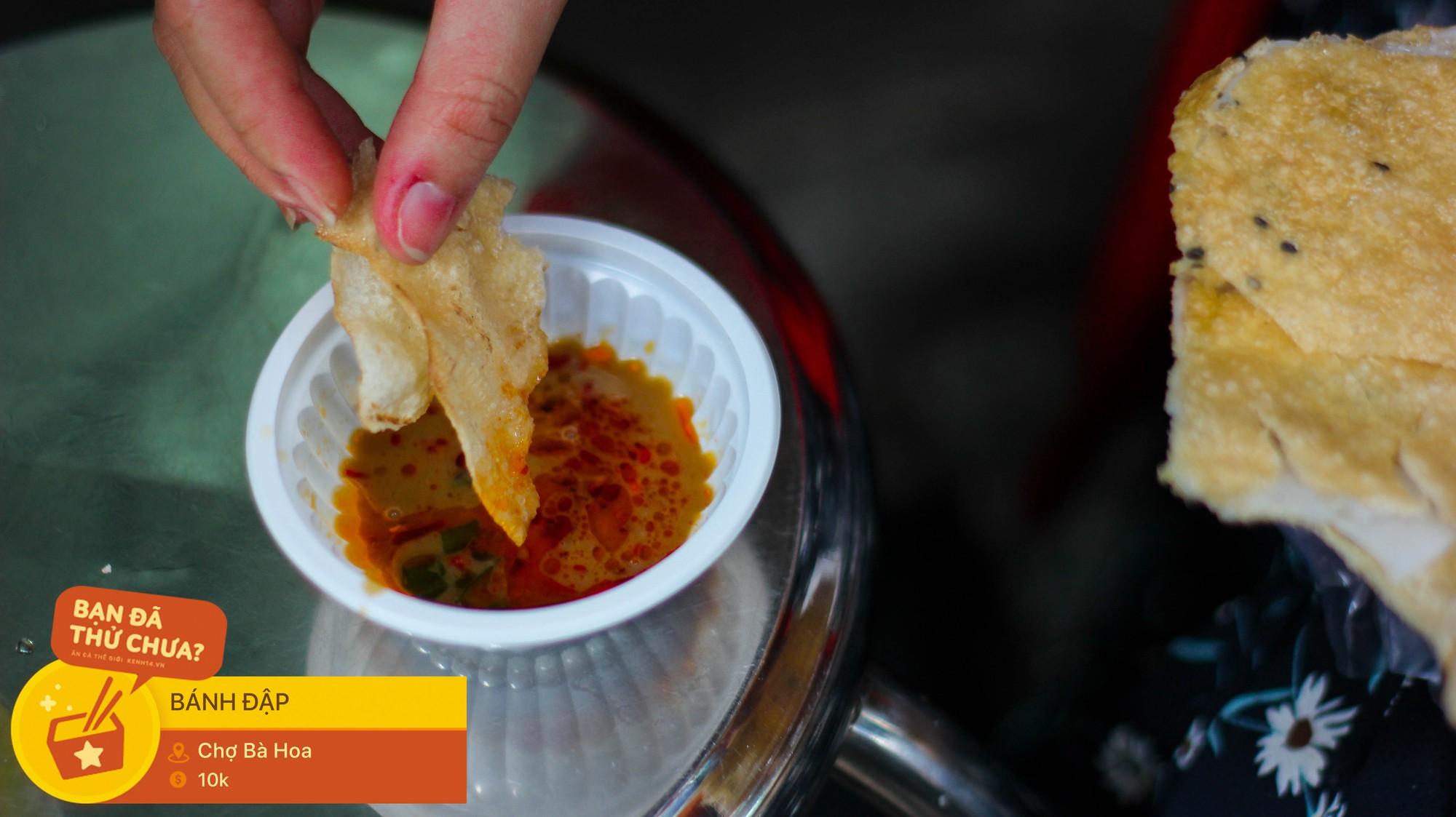 Những món ăn vặt miền Trung hiếm có khó tìm nhất định không thể bỏ lỡ khi đến chợ Bà Hoa - Ảnh 6.