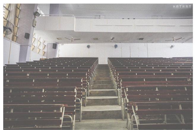 Trường Đại học dễ thương, lãng mạn nhất Sài Gòn, nơi có ghế đá FA dành cho người cô đơn nổi đình nổi đám một thời - Ảnh 7.