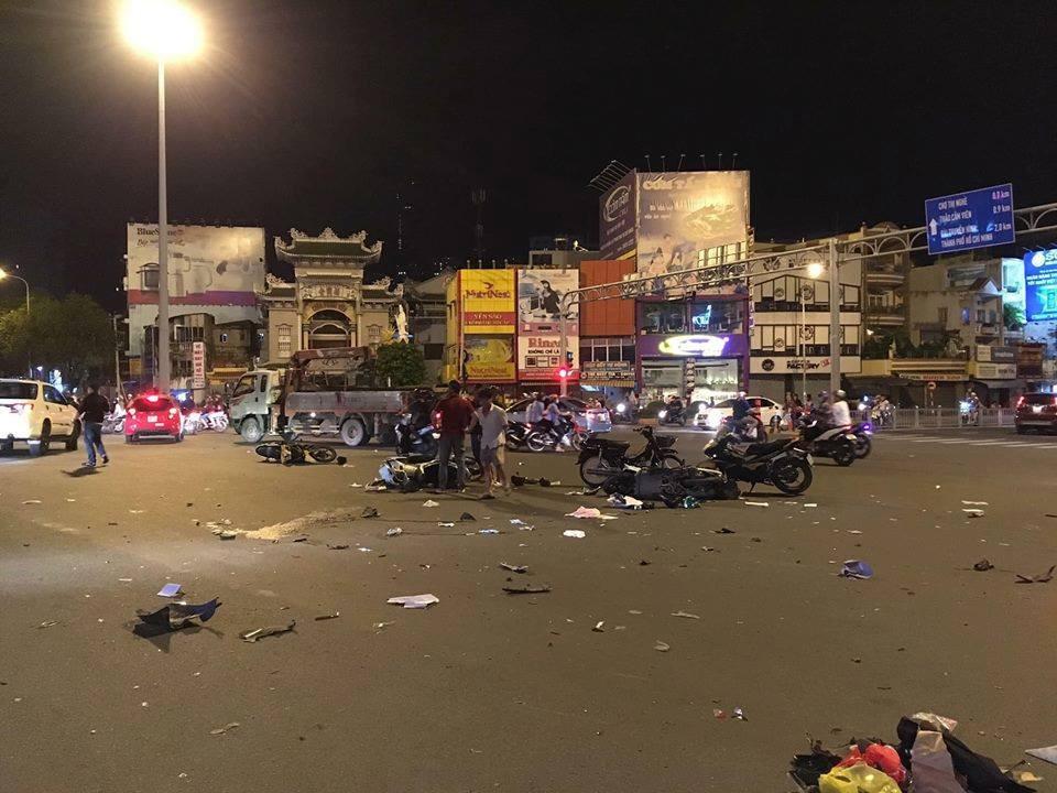 Tai nạn ngã tư Hàng Xanh: Nữ tài xế BMW gây tai nạn kinh hoàng ở TPHCM - Ảnh 3.