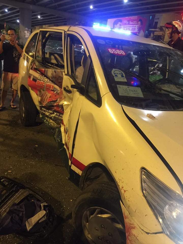 Tai nạn ngã tư Hàng Xanh: Nữ tài xế BMW gây tai nạn kinh hoàng ở TPHCM - Ảnh 9.
