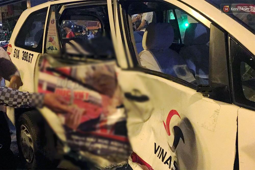 Ảnh: Hiện trường vụ nữ tài xế điều khiển xe BMW gây tai nạn kinh hoàng ở ngã tư Hàng Xanh - Ảnh 8.