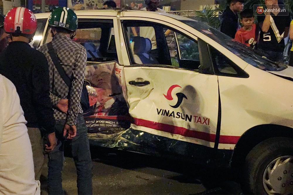 Ảnh: Hiện trường vụ nữ tài xế điều khiển xe BMW gây tai nạn kinh hoàng ở ngã tư Hàng Xanh - Ảnh 9.