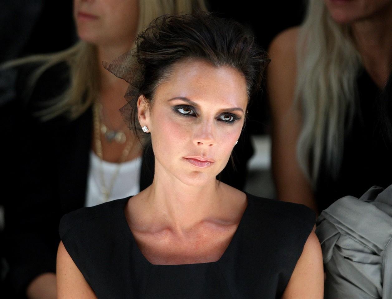 Victoria phẫn nộ vì David Beckham tiết lộ nhà bị trộm để đánh lạc hướng dư luận khỏi cuộc hôn nhân trục trặc - Ảnh 1.