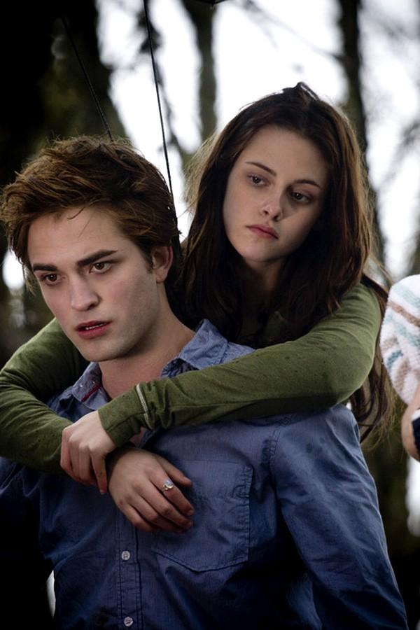 Dàn sao Twilight sau 10 năm: Người hẹn hò đồng giới, kẻ phát phì, thiên thần nhí trong phim thì lột xác ngoạn mục - Ảnh 2.