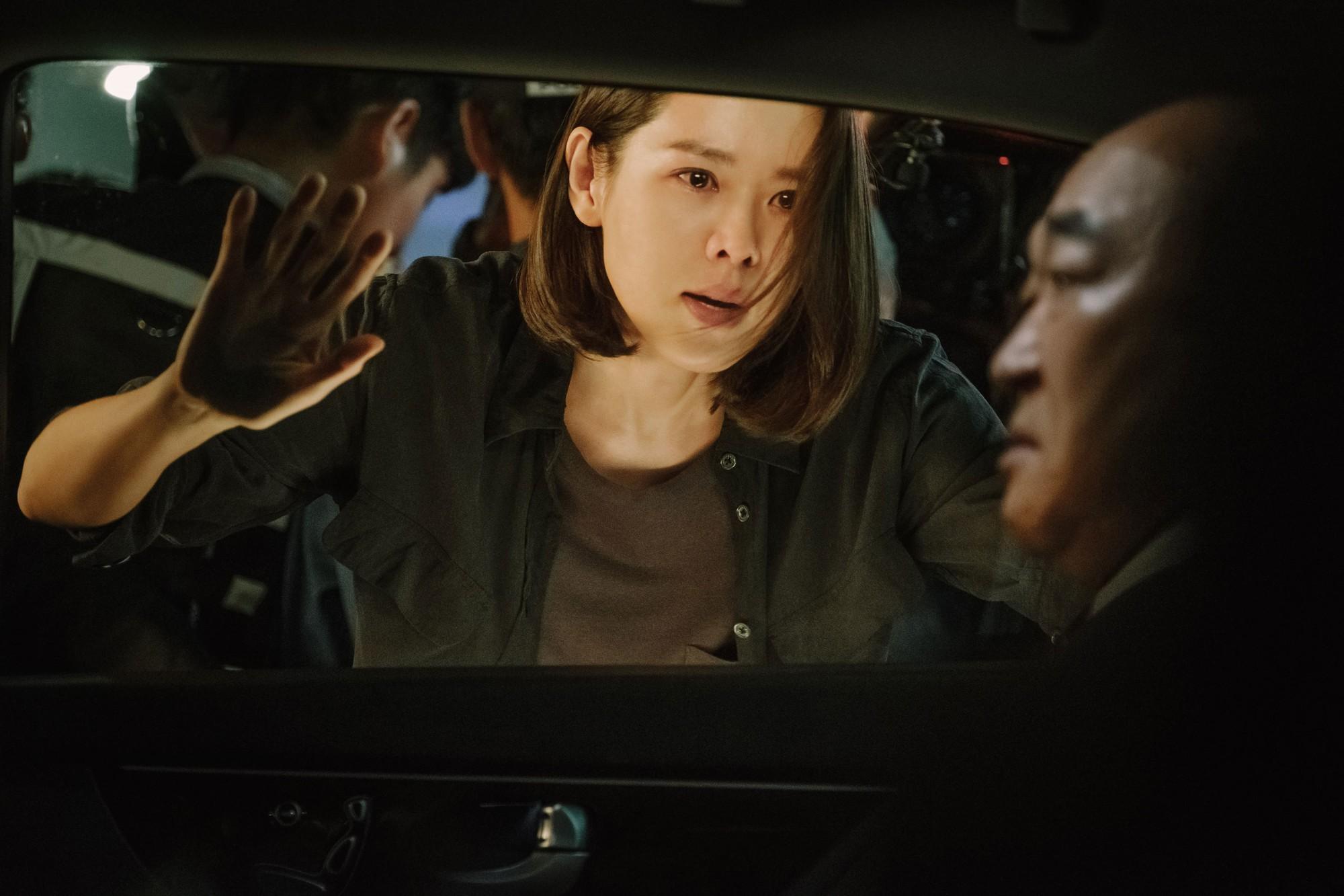 The Negotiation: Son Ye Jin và Hyun Bin quá đẹp, nhưng phim thì chỉ nên xem cho vui - Ảnh 6.