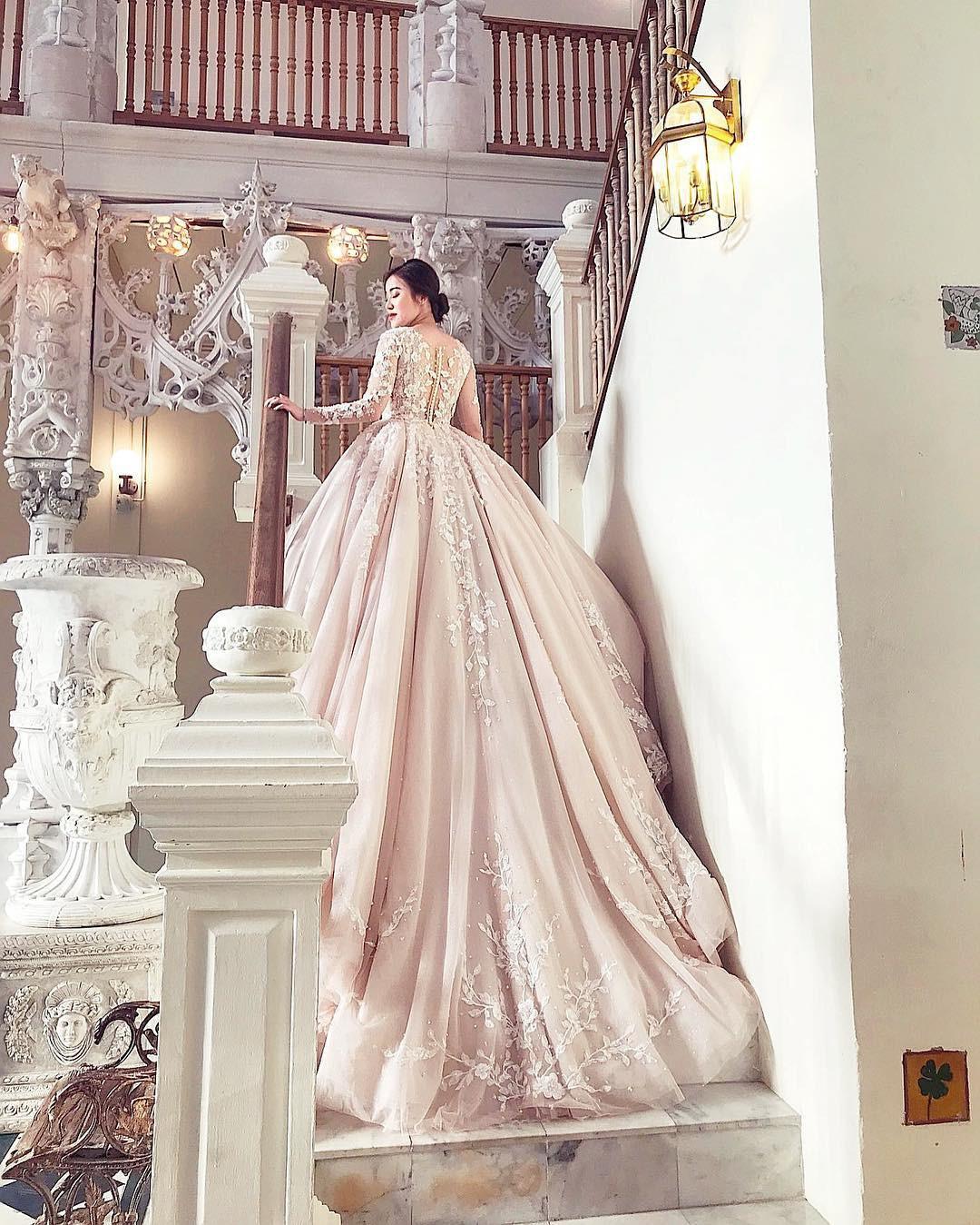 Một gương mặt đình đám của hội con nhà giàu Việt vừa hé lộ ảnh cưới đẹp như mơ ở Thái Lan - Ảnh 1.