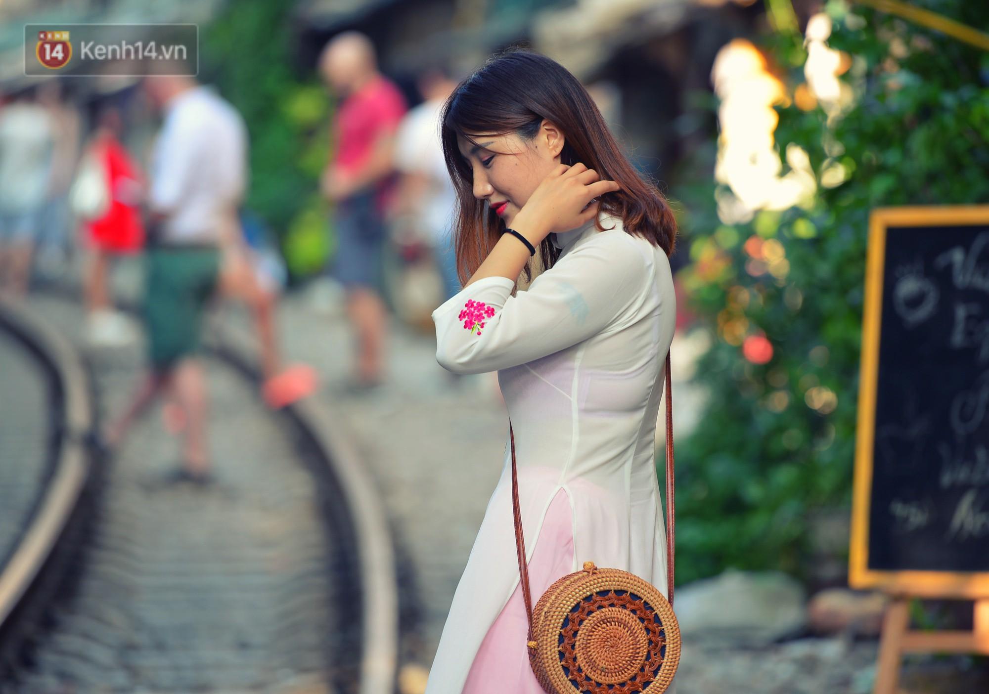 Hà Nội: Xóm đường tàu đẹp không kém làng cổ Thập Phần, Đài Loan - Ảnh 5.