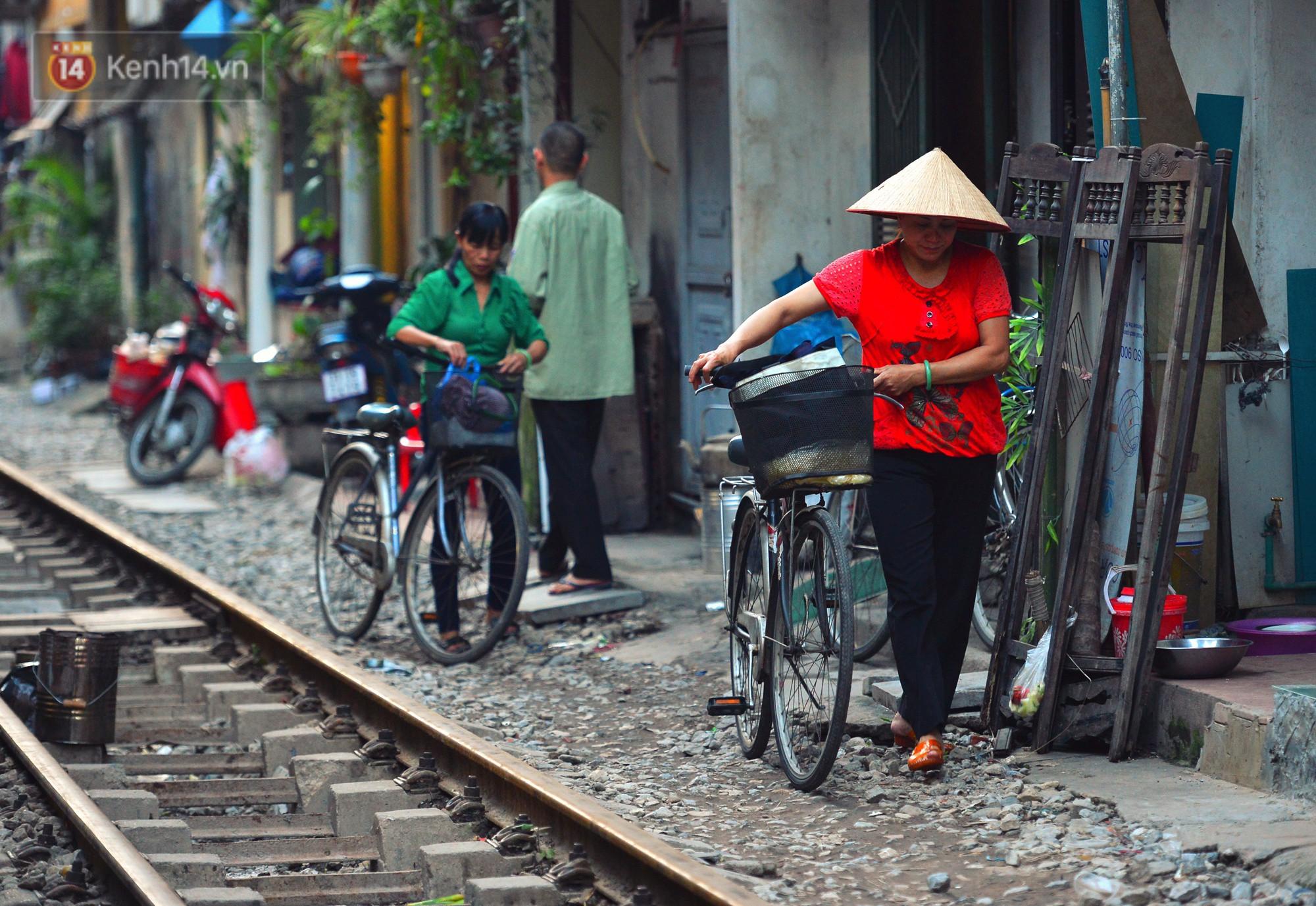 Hà Nội: Xóm đường tàu đẹp không kém làng cổ Thập Phần, Đài Loan - Ảnh 15.