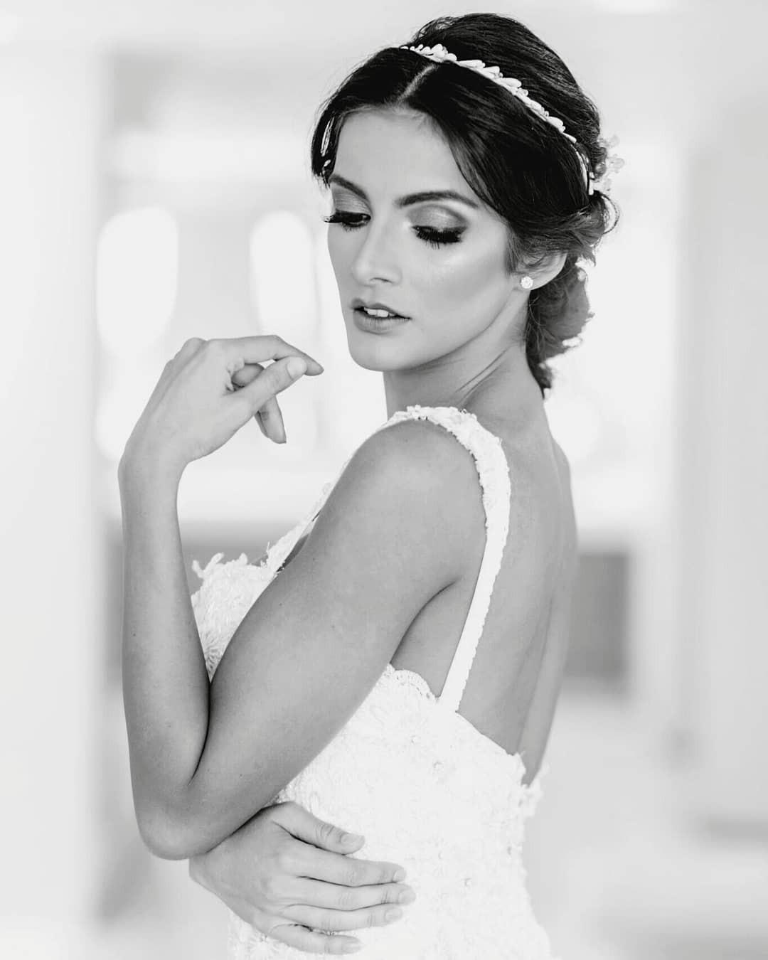 Hoa hậu ngất xỉu Clara Sosa han sắc tựa nữ thần Hy Lạp