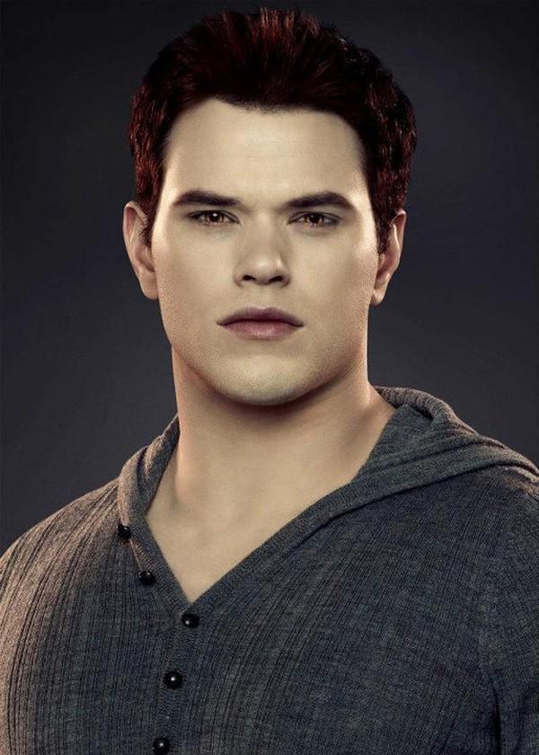 Dàn sao Twilight sau 10 năm: Người hẹn hò đồng giới, kẻ phát phì, thiên thần nhí trong phim thì lột xác ngoạn mục - Ảnh 17.