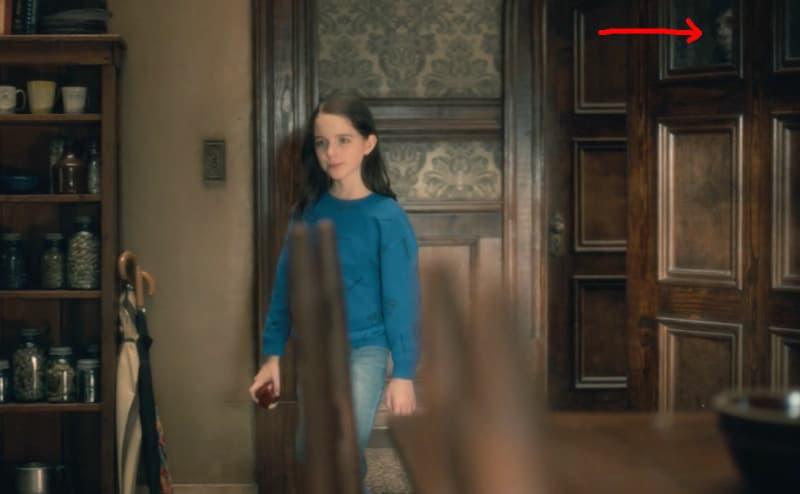 Căng cả mắt để đếm ma trong phim siêu kinh dị The Haunting of Hill House - Ảnh 7.