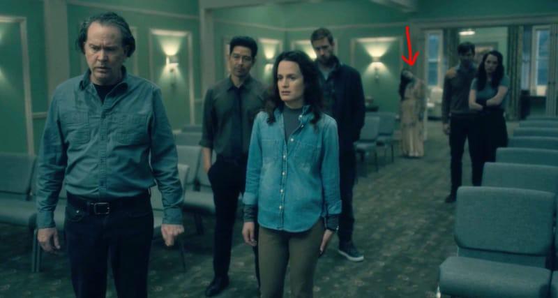 Căng cả mắt để đếm ma trong phim siêu kinh dị The Haunting of Hill House - Ảnh 21.