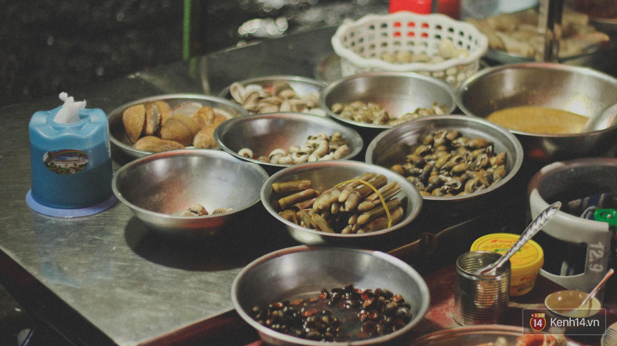 Lang thang khu chợ chiều nhộn nhịp giữa lòng Sài Gòn với hàng loạt món ngon chỉ từ 5k - Ảnh 6.