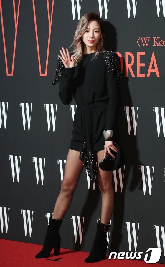 Siêu sự kiện hội tụ 40 sao hạng A: Lee Dong Wook quá xuất sắc, Kim Hee Sun, SNSD dẫn đầu đoàn mỹ nhân mặc thảm họa - Ảnh 27.
