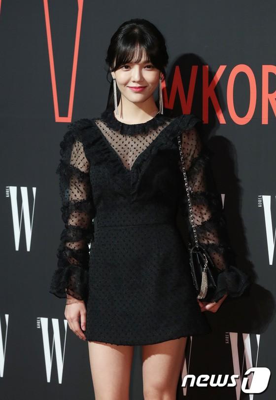 Siêu sự kiện hội tụ 40 sao hạng A: Lee Dong Wook quá xuất sắc, Kim Hee Sun, SNSD dẫn đầu đoàn mỹ nhân mặc thảm họa - Ảnh 16.