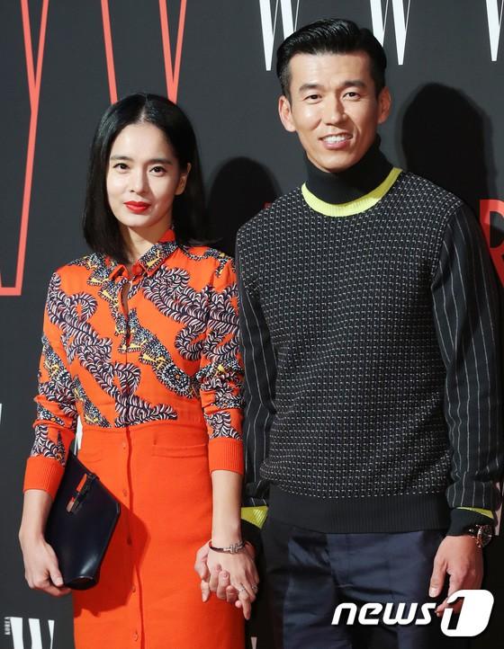 Siêu sự kiện hội tụ 40 sao hạng A: Lee Dong Wook quá xuất sắc, Kim Hee Sun, SNSD dẫn đầu đoàn mỹ nhân mặc thảm họa - Ảnh 32.