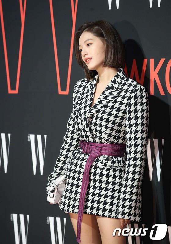 Siêu sự kiện hội tụ 40 sao hạng A: Lee Dong Wook quá xuất sắc, Kim Hee Sun, SNSD dẫn đầu đoàn mỹ nhân mặc thảm họa - Ảnh 18.