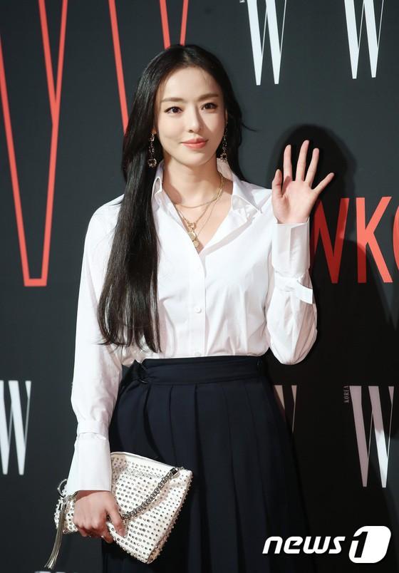 Siêu sự kiện hội tụ 40 sao hạng A: Lee Dong Wook quá xuất sắc, Kim Hee Sun, SNSD dẫn đầu đoàn mỹ nhân mặc thảm họa - Ảnh 31.