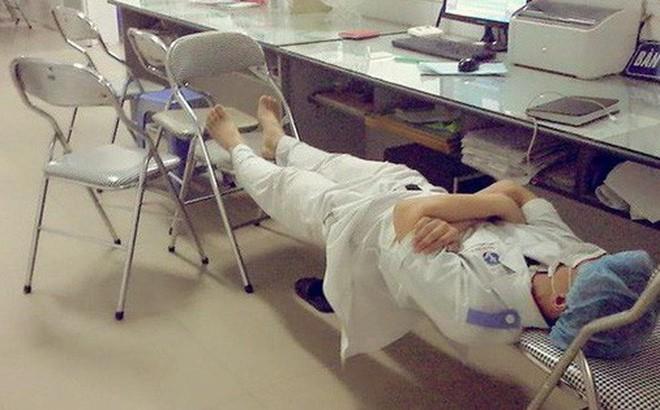 Khám phá cuộc sống của 1 sinh viên ngành Y: Ngoài giải phẫu, trực nhà xác còn có nhiều điều thú vị lắm - Ảnh 2.