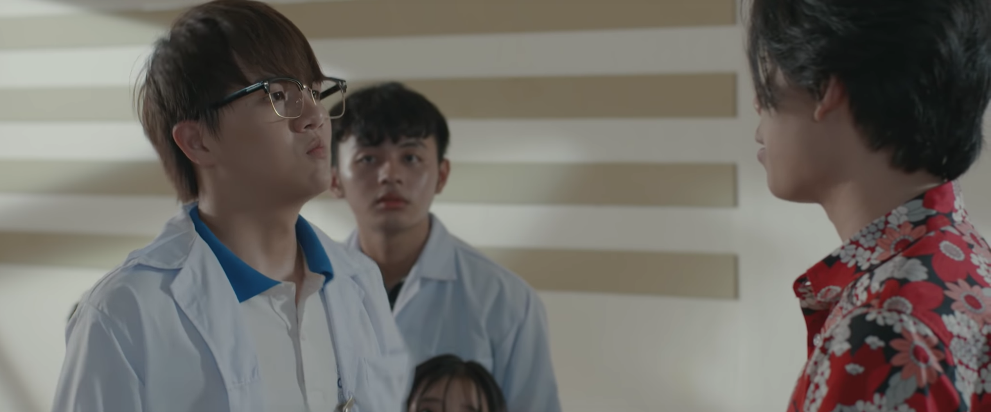 Duy Khánh vừa lột bỏ hình tượng giả gái, làm trai thẳng đã bị Emma thả thính ngay lập tức - Ảnh 4.