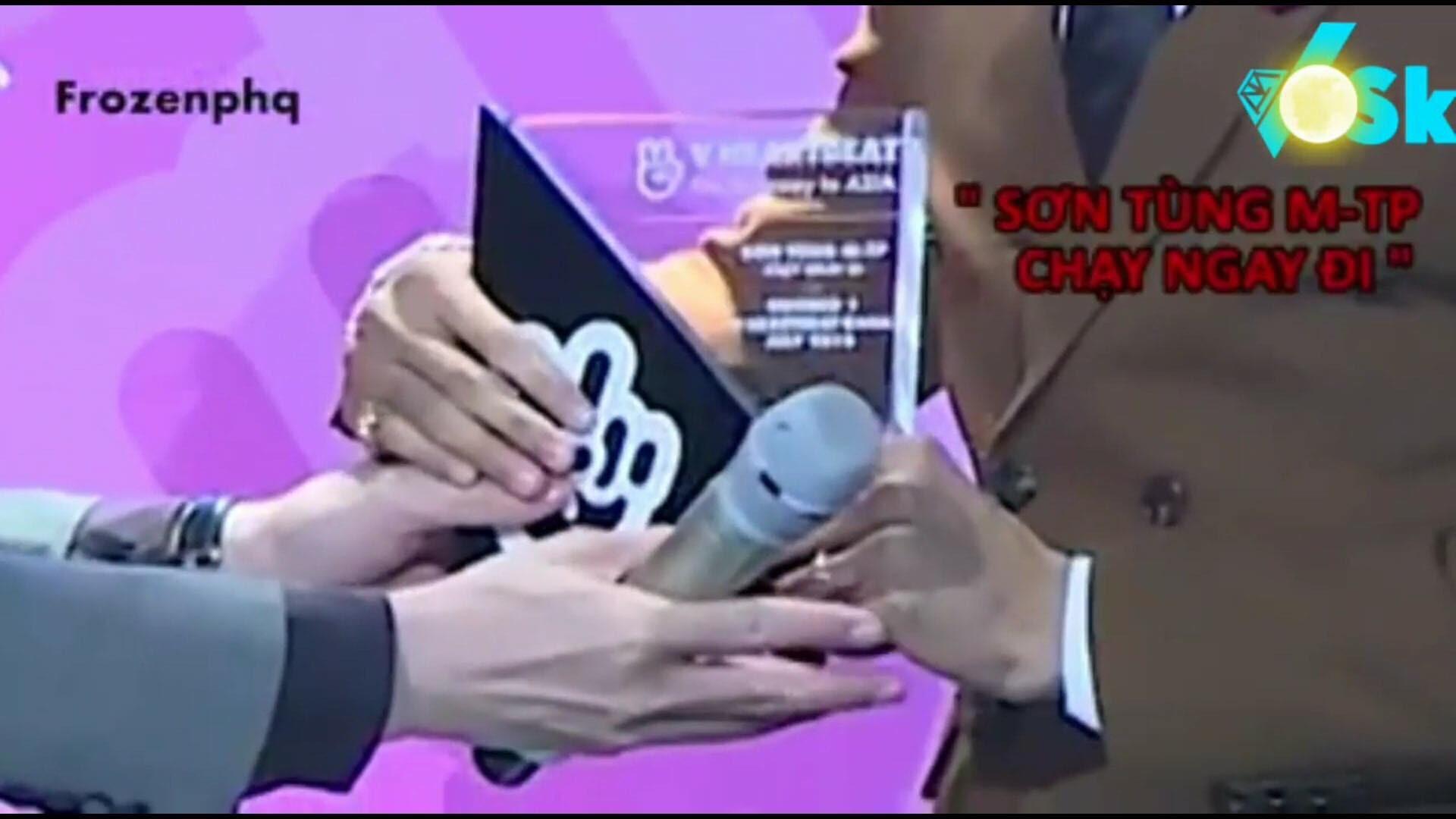 Nghịch cảnh: Từng mỉa mai Sơn Tùng M-TP, nay Đạt G lại được trao nhầm cúp ghi tên Chạy ngay đi trên sân khấu - Ảnh 4.