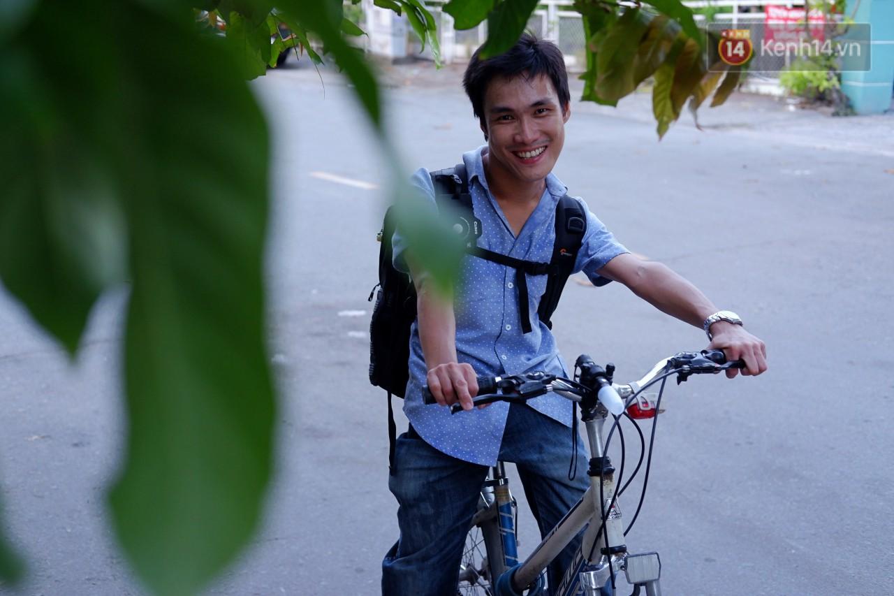 """Chàng nhiếp ảnh bại não ở Sài Gòn từng bị trường cấp 2 từ chối: """"Nhiều người hỏi mình đi học làm gì, lớn lên ai mà mướn?"""""""