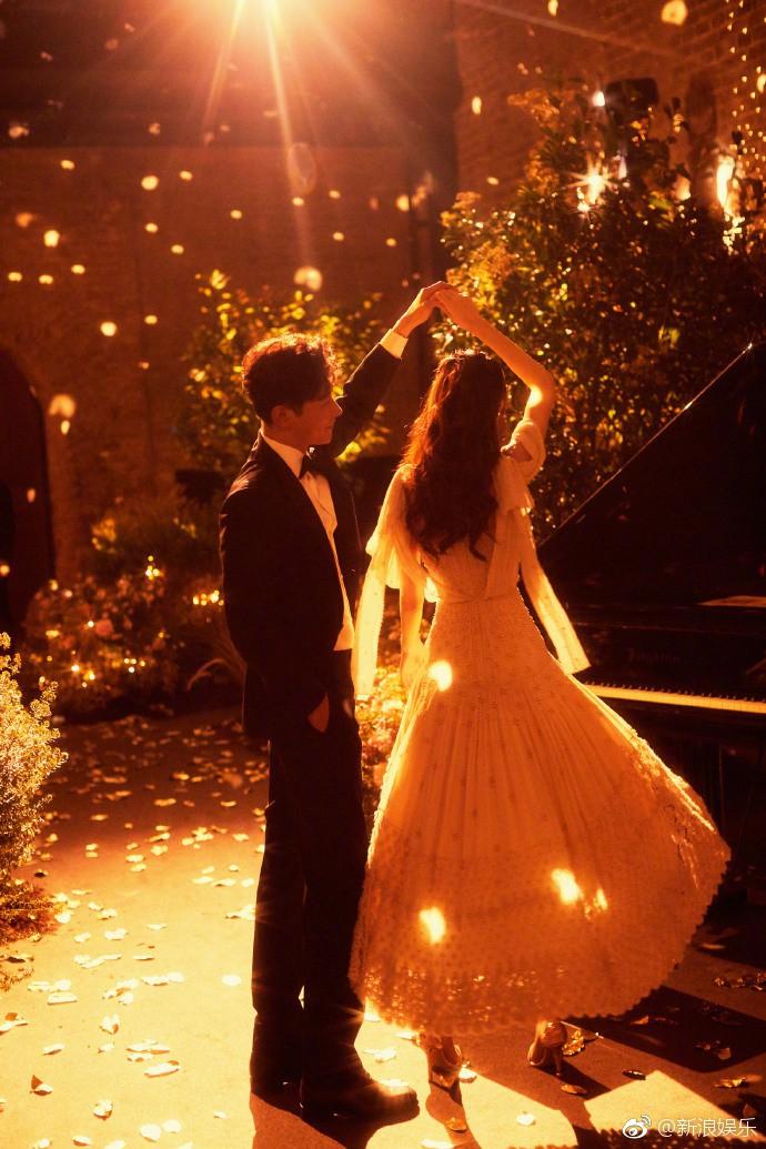 Khung cảnh đẹp tựa cổ tích trong tiệc mời khách trước hôn lễ của cặp đôi Đường Yên – La Tấn