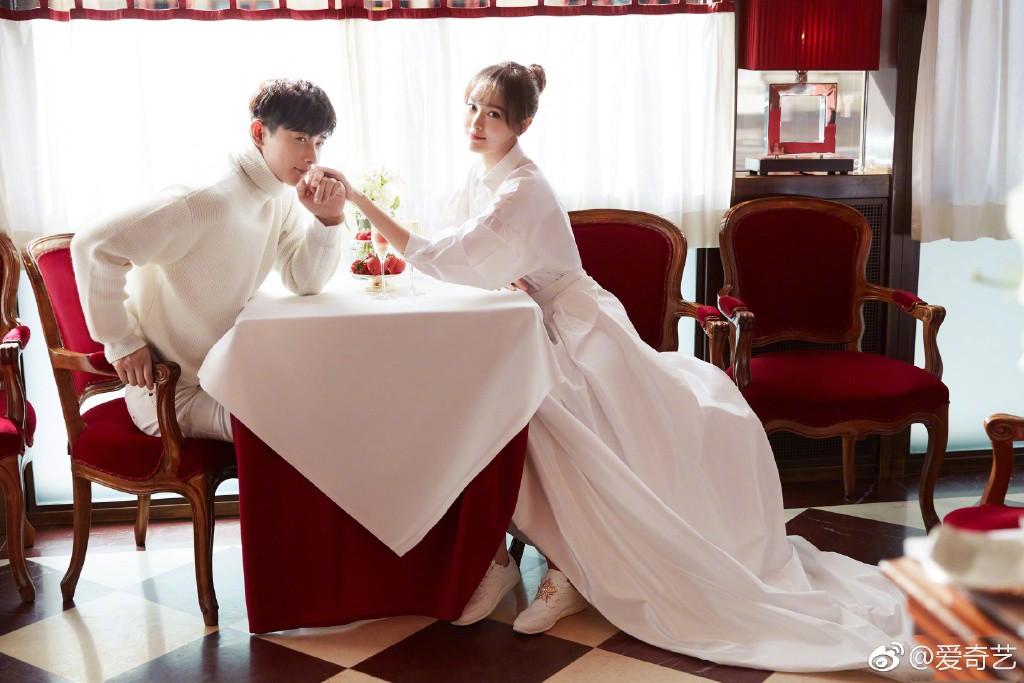 Đám cưới Đường Yên - La Tấn gây sốt với bộ áo cưới truyền thống thêu chỉ vàng - H3