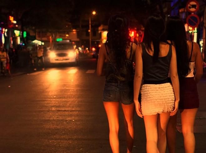 Sinh viên sẽ bị buộc thôi học nếu hoạt động mại dâm đến lần thứ 4?