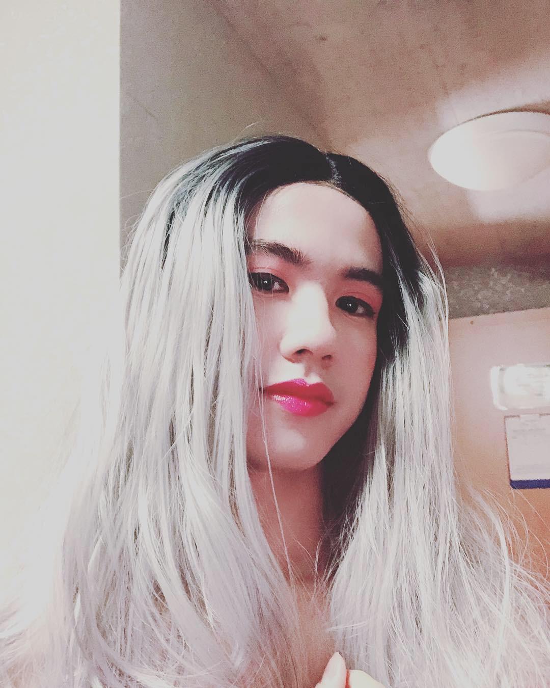 Giả gái xinh như con gái thật, nam du học sinh Việt điển trai ẵm giải Nhất cuộc thi hóa trang tại Thụy Sĩ - Ảnh 1.