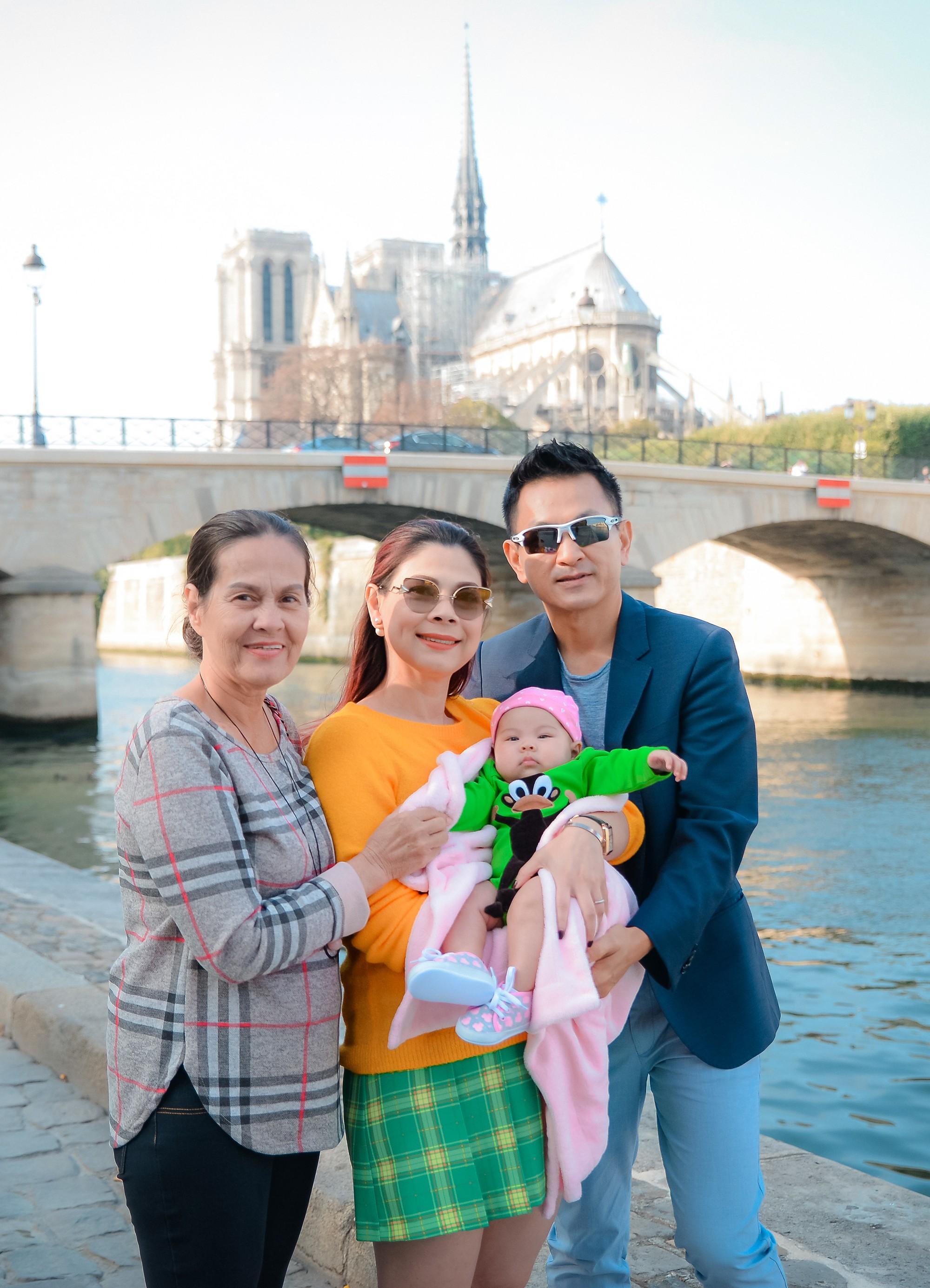 Thanh Thảo và ông xã đưa con gái chỉ mới 3 tháng tuổi đi du lịch châu Âu - Ảnh 12.