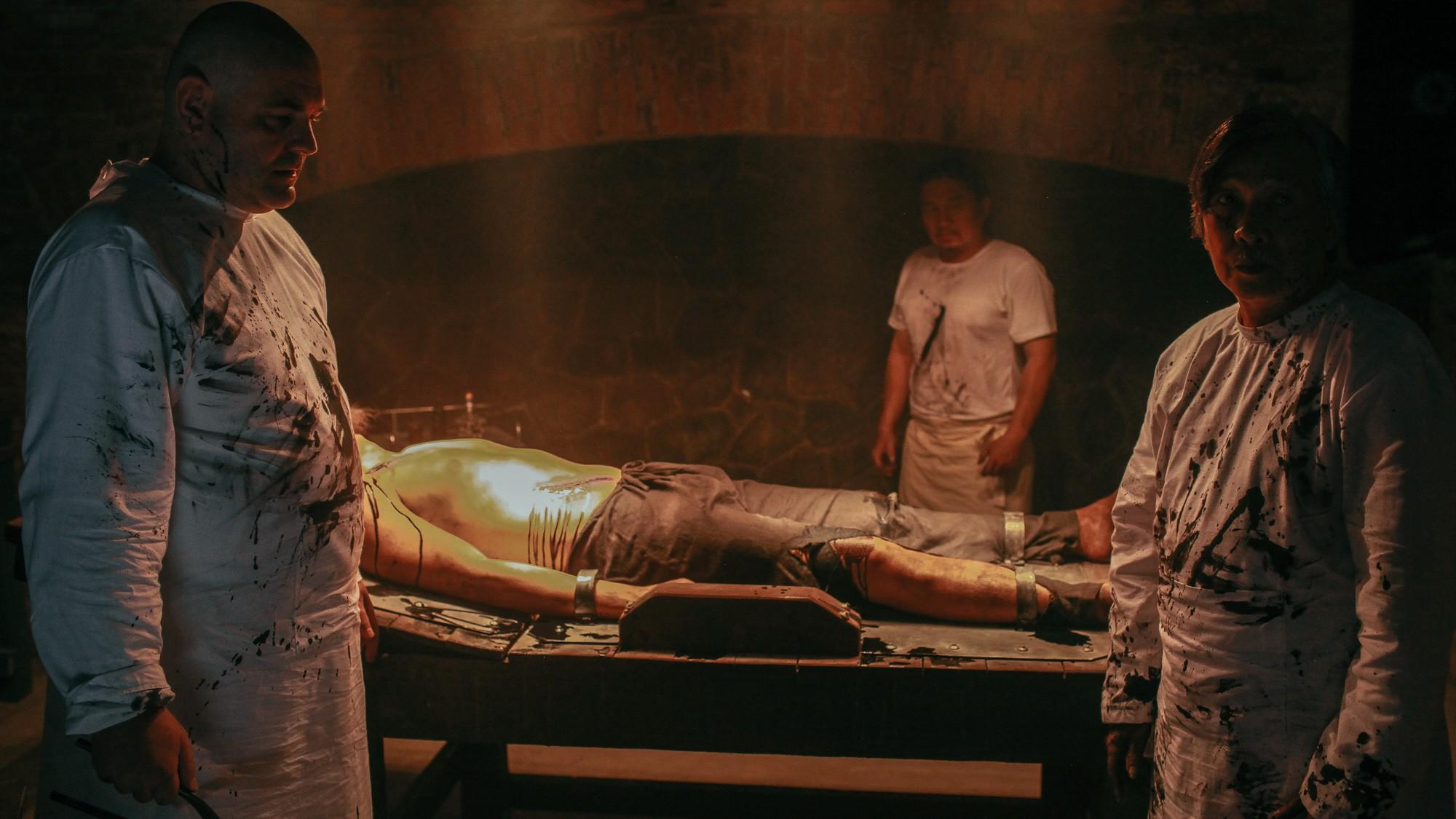 Jun Vũ không chỉ đẹp mà còn ma mị khi làm cô ca nương đoản mệnh trong Người Bất Tử - Ảnh 9.
