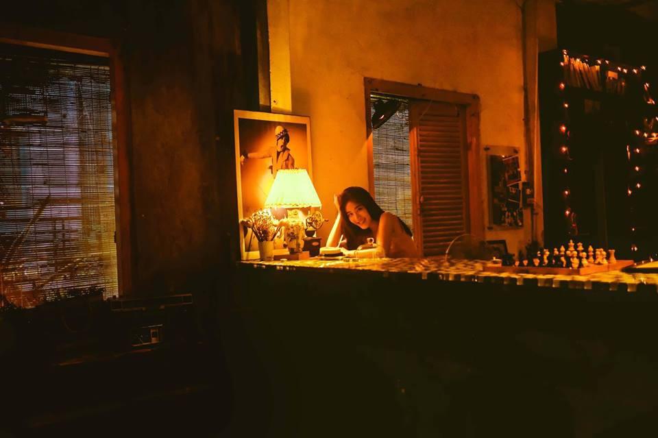 Bộ ảnh tuổi 19 của Thuỳ Linh: Xinh đẹp và dịu dàng đúng kiểu uống nhầm ánh mắt, cơn say theo cả đời - Ảnh 7.