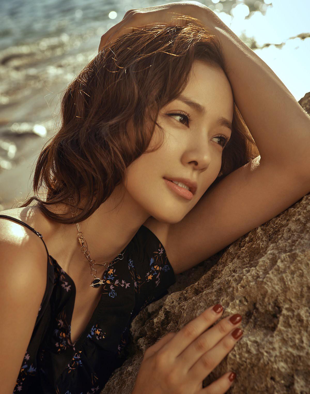 Ảnh kỷ niệm ngày cưới đẹp nhất xứ Hàn: Kwon Sang Woo, vợ Hoa hậu Hàn và 2 thiên thần sang như gia đình hoàng gia - Ảnh 9.
