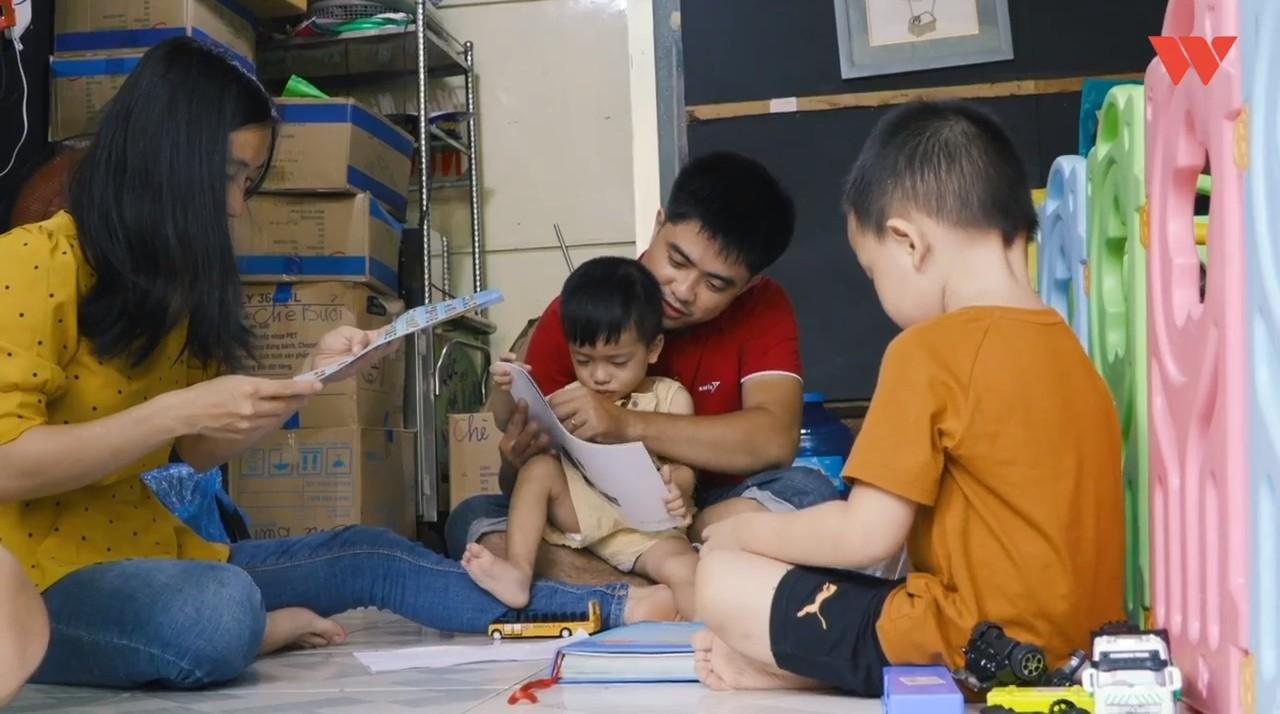 Hành trình cậu bé siêu nhân não mịn hòa nhập với cộng đồng nhờ quán chè bưởi Sài Gòn của bố mẹ Thạc sĩ - Ảnh 4.