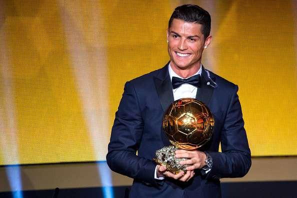 Lý do vì sao Cristiano Ronaldo vượt qua hàng loạt siêu sao showbiz để thống trị Instagram? - Ảnh 1.