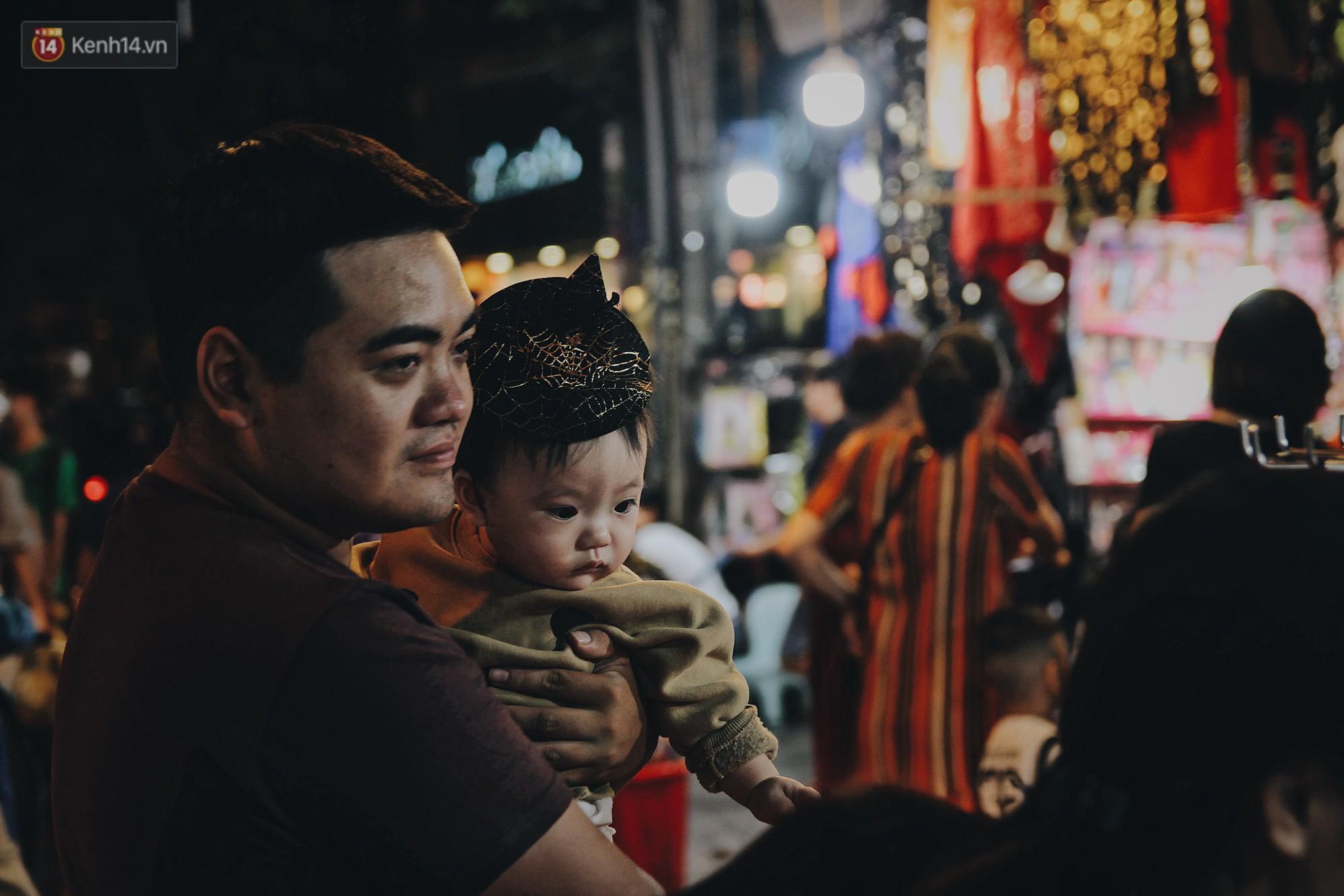 Hình ảnh Halloween tại phố Hàng Mã Hà Nội - Ảnh 12.