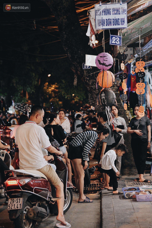 Hình ảnh Halloween tại phố Hàng Mã Hà Nội - Ảnh 5.