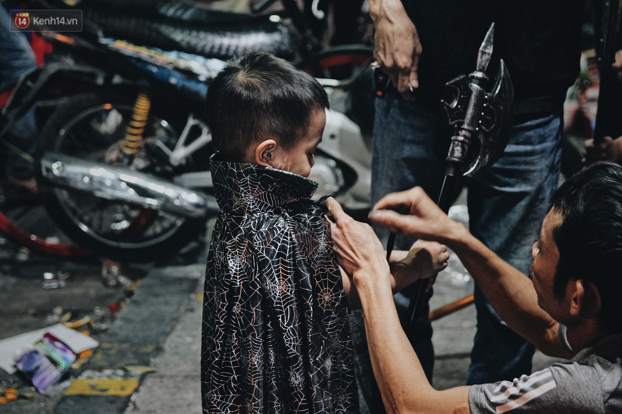 Hình ảnh Halloween tại phố Hàng Mã Hà Nội - Ảnh 13.