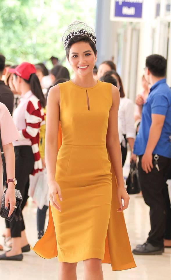 Các đại diện Việt Nam đang được chuyên trang sắc đẹp quốc tế đánh giá thế nào khi đem chuông đi đánh xứ người? - Ảnh 13.