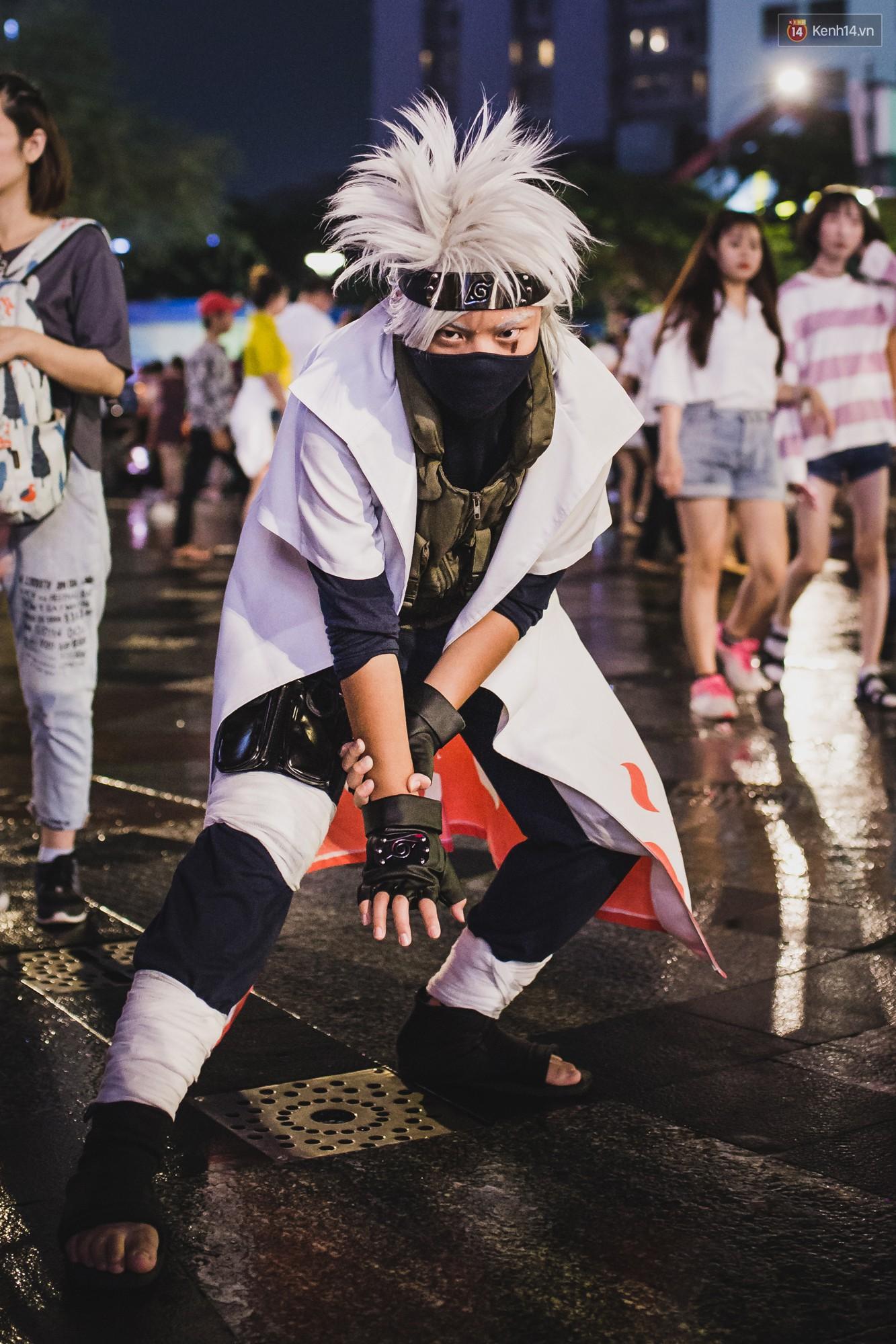 Hà Nội và Sài Gòn tràn ngập ma quỷ đêm Halloween: Từ cương thi, vô diện đến phù thủy tưng bừng xuống phố - Ảnh 12.
