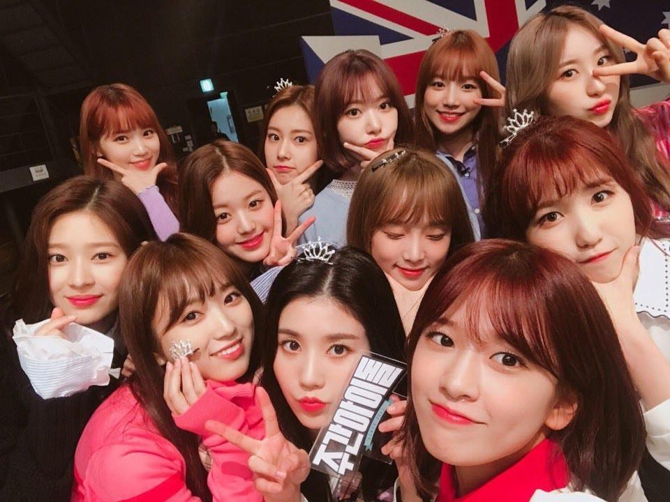 Lập thành tích vượt Black Pink, Wanna One, IZ*ONE mới chính là tân binh khủng nhất 2018? - Ảnh 1.
