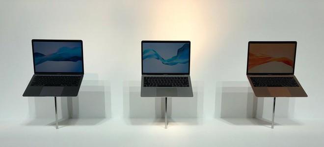 Những hình ảnh đầu tiên về MacBook Air mới: Chiếc laptop mà fan Apple luôn ao ước đây rồi! - Ảnh 1.