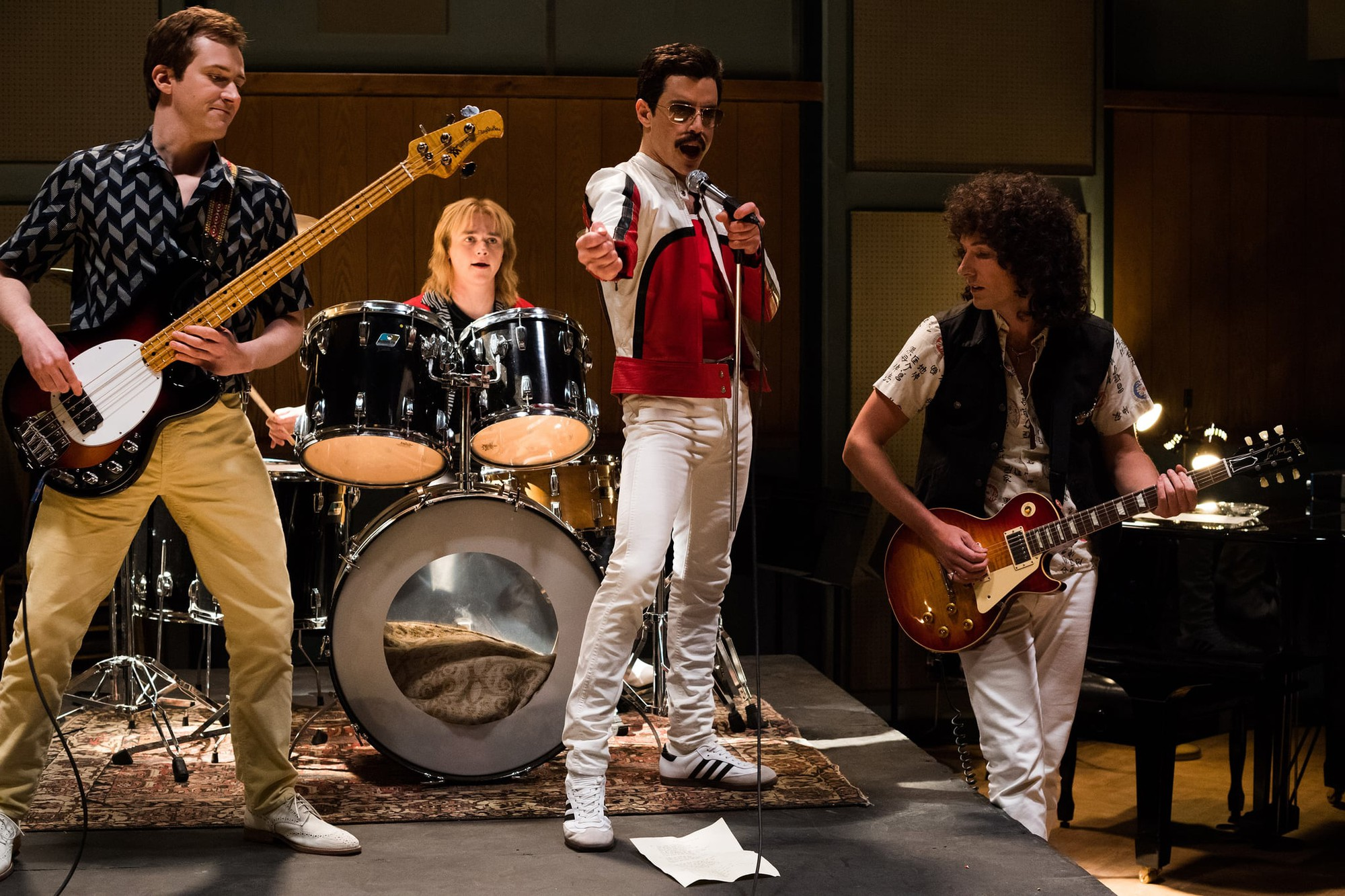 Bohemian Rhapsody: Tái hiện cảm động cuộc đời cống hiến của một tượng đài âm nhạc - Ảnh 4.