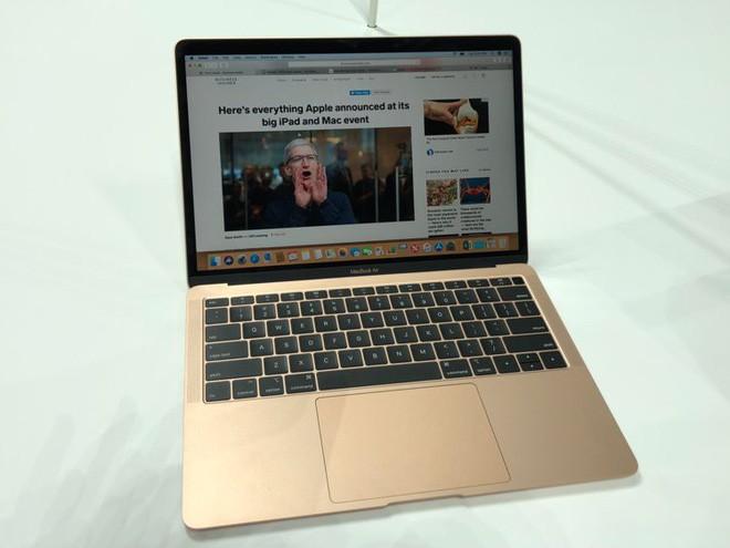 Những hình ảnh đầu tiên về MacBook Air mới: Chiếc laptop mà fan Apple luôn ao ước đây rồi! - Ảnh 8.