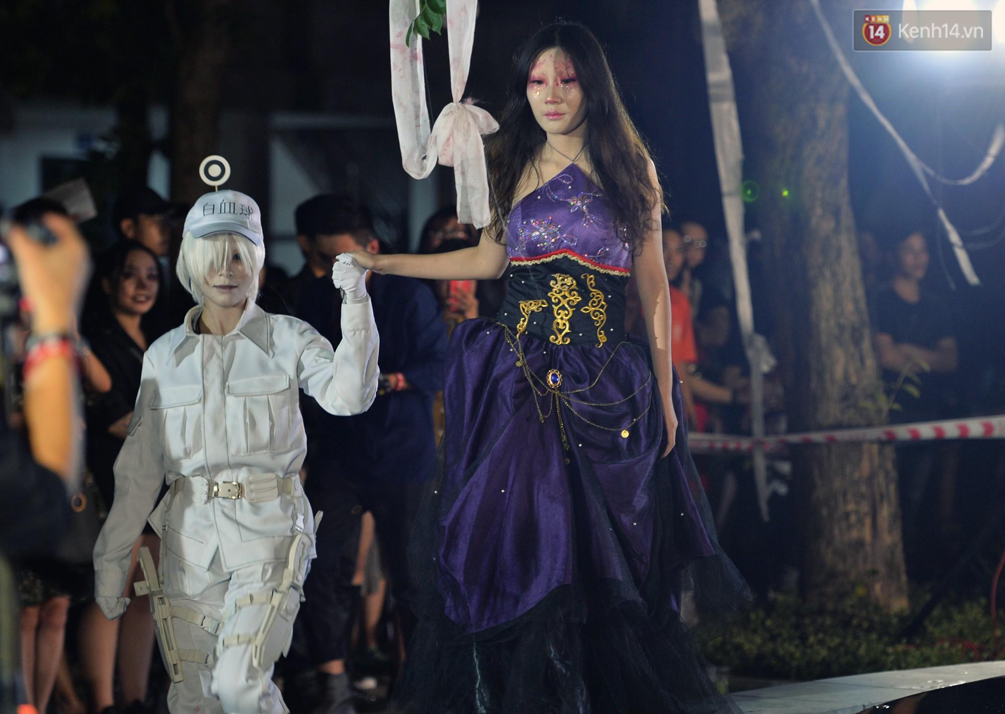 Màn hóa trang Halloween kinh dị nhất tại Đại học Mỹ Thuật Việt Nam - Ảnh 11.