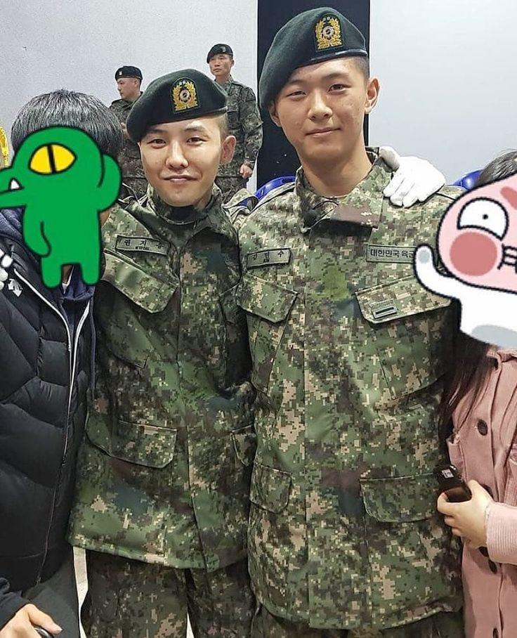 """G-Dragon bị """"réo tên"""" vì Kim Soo Hyun đẹp trai trong quân ngũ - Ảnh 2."""