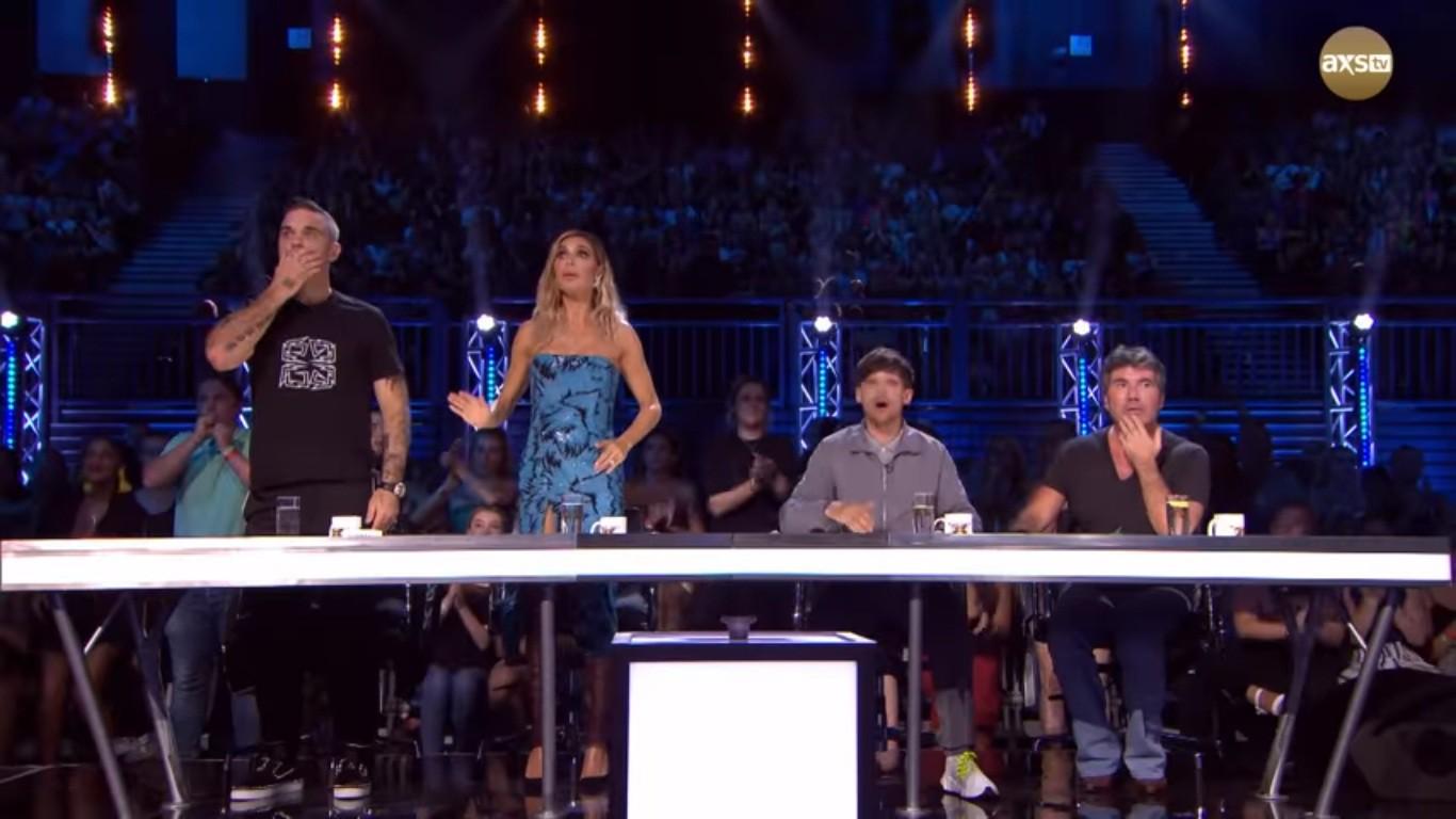 Cả trường quay náo loạn khi thí sinh X-Factor bất ngờ ngã ngửa khỏi sân khấu - Ảnh 4.