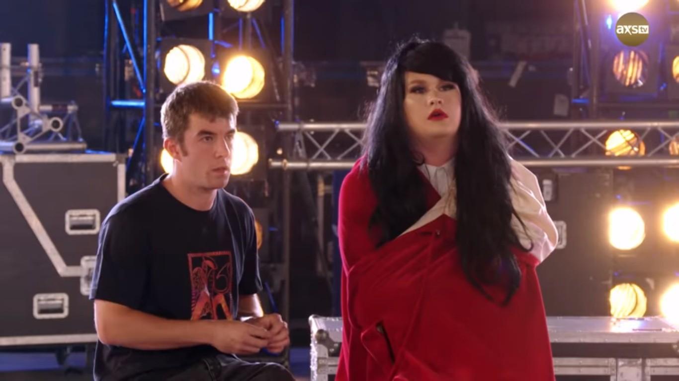 Cả trường quay náo loạn khi thí sinh X-Factor bất ngờ ngã ngửa khỏi sân khấu - Ảnh 5.