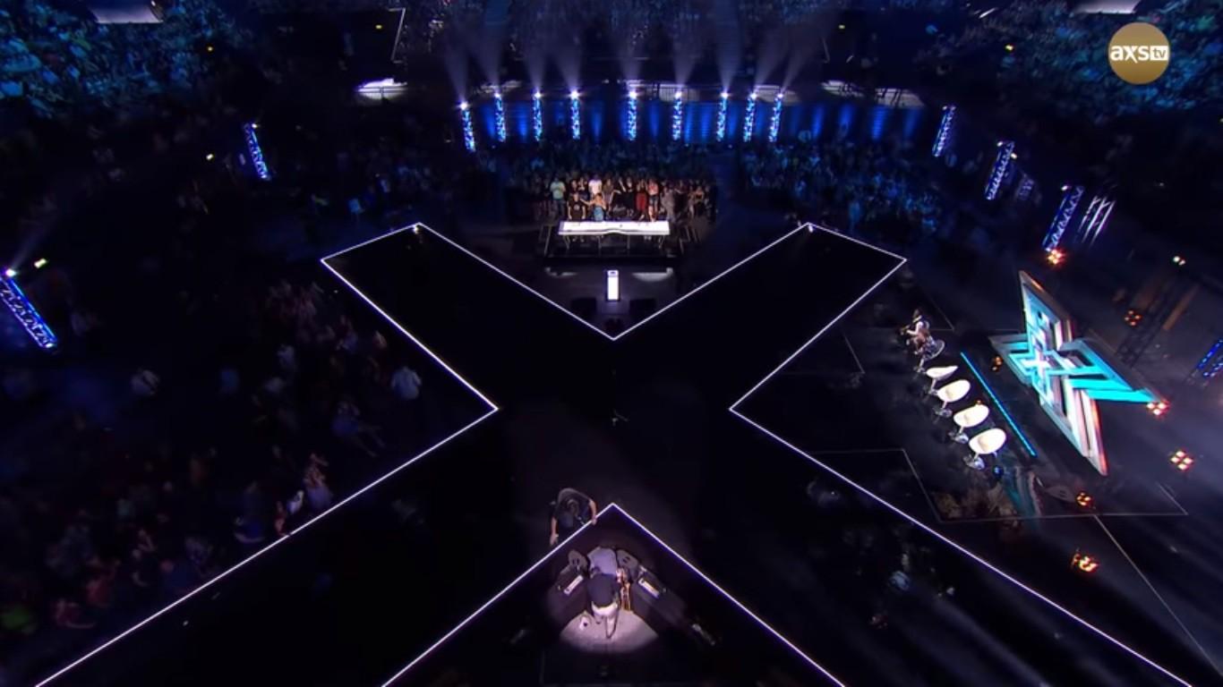 Cả trường quay náo loạn khi thí sinh X-Factor bất ngờ ngã ngửa khỏi sân khấu - Ảnh 7.